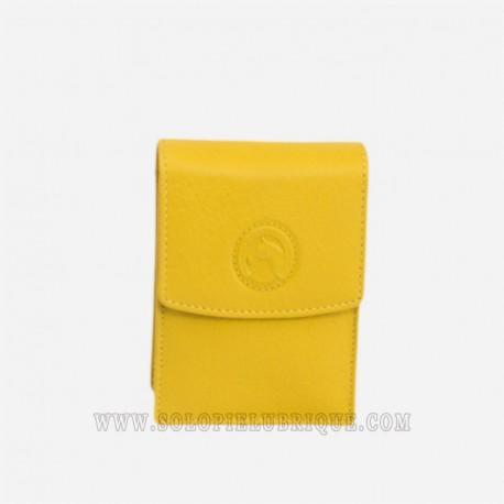 Pitillera de piel amarilla